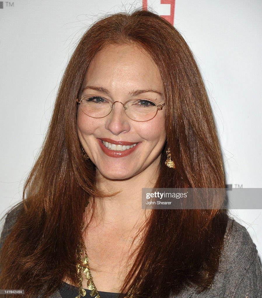 Actress <a gi-track='captionPersonalityLinkClicked' href=/galleries/search?phrase=Amy+Yasbeck&family=editorial&specificpeople=211474 ng-click='$event.stopPropagation()'>Amy Yasbeck</a> attends the 'Bully' Los Angeles Premiere at Mann Chinese 6 on March 26, 2012 in Los Angeles, California.