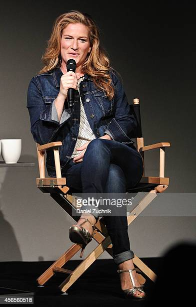 Actress Ana Gasteyer attends the Meet the Musician Ana Gasteyer at Apple Store Soho on October 2 2014 in New York City