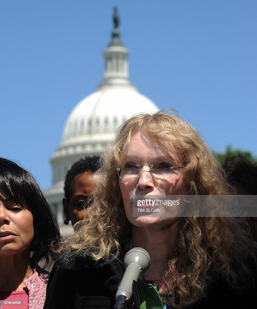 US actress and activist Mia Farrow participates in a news conference to announce a fast to draw attention to the humanitarian crisis in Darfur with members of the Congressional Black Caucus on May 19, 2009 on Capitol Hill in Washington. AFP PHOTO/Tim Sloan
