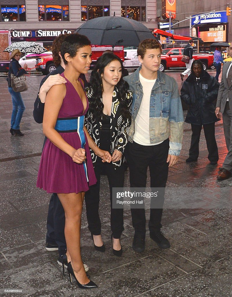 Actress and Actor <a gi-track='captionPersonalityLinkClicked' href=/galleries/search?phrase=Alexandra+Shipp&family=editorial&specificpeople=10012876 ng-click='$event.stopPropagation()'>Alexandra Shipp</a>,<a gi-track='captionPersonalityLinkClicked' href=/galleries/search?phrase=Lana+Condor&family=editorial&specificpeople=14229196 ng-click='$event.stopPropagation()'>Lana Condor</a>,<a gi-track='captionPersonalityLinkClicked' href=/galleries/search?phrase=Tye+Sheridan&family=editorial&specificpeople=7807719 ng-click='$event.stopPropagation()'>Tye Sheridan</a>,<a gi-track='captionPersonalityLinkClicked' href=/galleries/search?phrase=Evan+Peters&family=editorial&specificpeople=2301160 ng-click='$event.stopPropagation()'>Evan Peters</a> are seen on the set of 'Good Morning America' on May 24, 2016 in New York City.