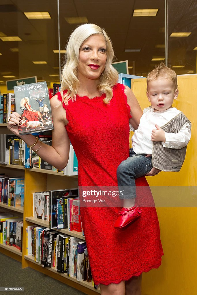Actress and author <a gi-track='captionPersonalityLinkClicked' href=/galleries/search?phrase=Tori+Spelling&family=editorial&specificpeople=202560 ng-click='$event.stopPropagation()'>Tori Spelling</a> (L) and daughter Hattie McDermott attend as <a gi-track='captionPersonalityLinkClicked' href=/galleries/search?phrase=Tori+Spelling&family=editorial&specificpeople=202560 ng-click='$event.stopPropagation()'>Tori Spelling</a> signs copies of her new book 'Spelling It Like It Is' at Barnes & Noble bookstore at The Grove on November 9, 2013 in Los Angeles, California.