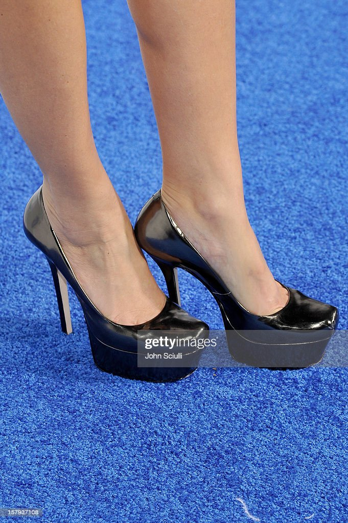 Actress and backstage correspondent, Maria Menounos (shoe detail) arrives at the American Giving Awards presented by Chase held at the Pasadena Civic Auditorium on December 7, 2012 in Pasadena, California.