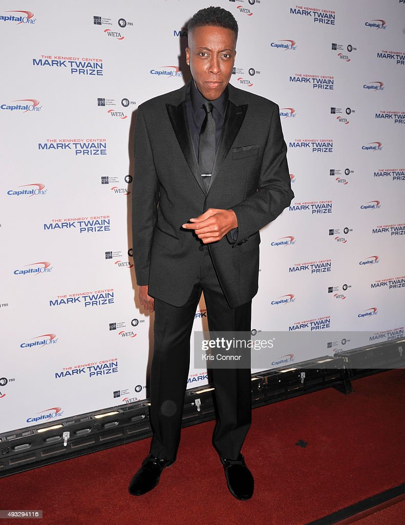 Actress and comedian <a gi-track='captionPersonalityLinkClicked' href=/galleries/search?phrase=Arsenio+Hall&family=editorial&specificpeople=211441 ng-click='$event.stopPropagation()'>Arsenio Hall</a> poses on the red carpet during the 18th Annual Mark Twain Prize For Humor honoring Eddie Murphy at The John F. Kennedy Center for Performing Arts on October 18, 2015 in Washington, DC.