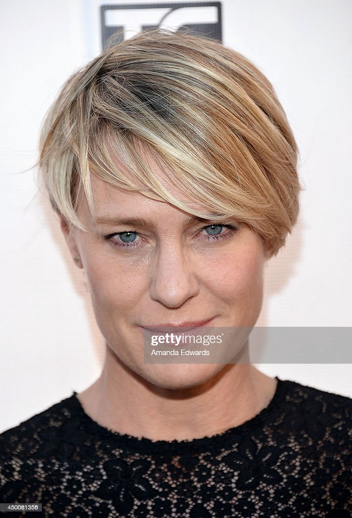 Actress and cover star <a gi-track='captionPersonalityLinkClicked' href=/galleries/search?phrase=Robin+Wright&family=editorial&specificpeople=207147 ng-click='$event.stopPropagation()'>Robin Wright</a> arrives at the Los Angeles Confidential Magazine celebration of the magazine's Women Of Influence issue at SIXTY Beverly Hills on June 4, 2014 in Beverly Hills, California.