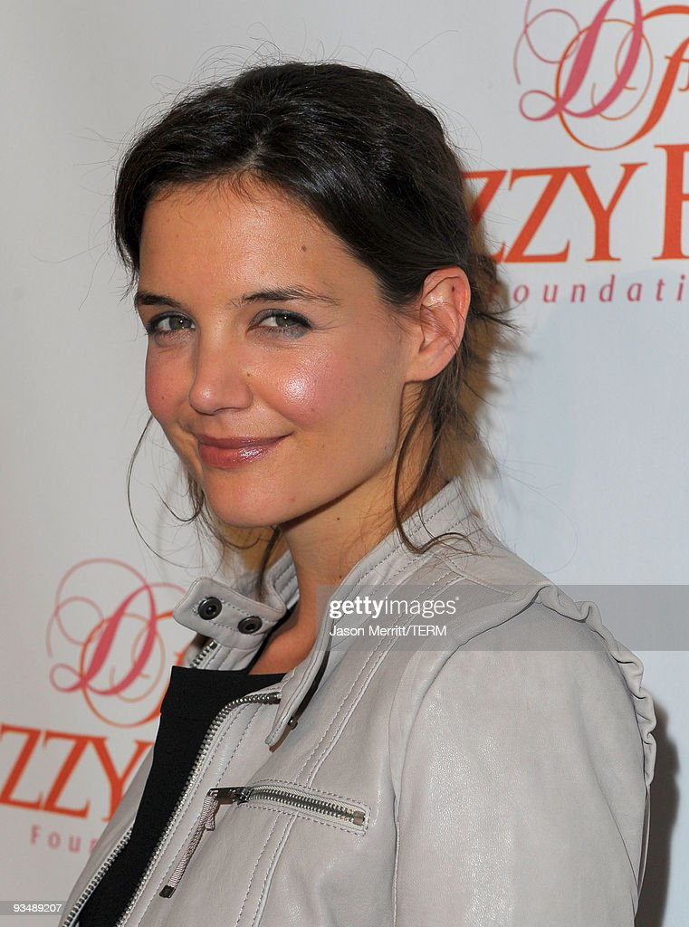 Actress and Dizzy Feet Foundation founding member <a gi-track='captionPersonalityLinkClicked' href=/galleries/search?phrase=Katie+Holmes&family=editorial&specificpeople=201598 ng-click='$event.stopPropagation()'>Katie Holmes</a> arrives at the Dizzy Feet Foundation's Inaugural Celebration of Dance at The Kodak Theater on November 29, 2009 in Hollywood, California.