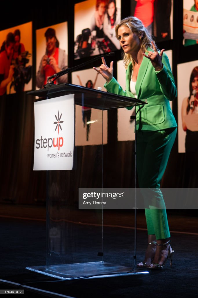 Actress and honoree <a gi-track='captionPersonalityLinkClicked' href=/galleries/search?phrase=Julie+Bowen&family=editorial&specificpeople=244057 ng-click='$event.stopPropagation()'>Julie Bowen</a> attends Step Up Women's Network's 10th Annual Inspiration Awards at The Beverly Hilton Hotel on May 31, 2013 in Beverly Hills, California.