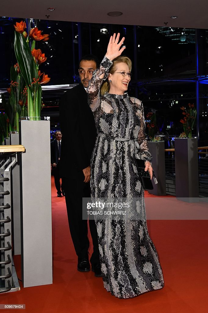 US actress and jury president Meryl Streep poses for photographers as he arrives on the red carpet for the film 'Hail, Caesar!' screening as opening film of the 66th Berlinale Film Festival in Berlin on February 11, 2016. Eighteen pictures will vie for the Golden Bear top prize at the event which runs from February 11 to 21, 2016. / AFP / TOBIAS SCHWARZ
