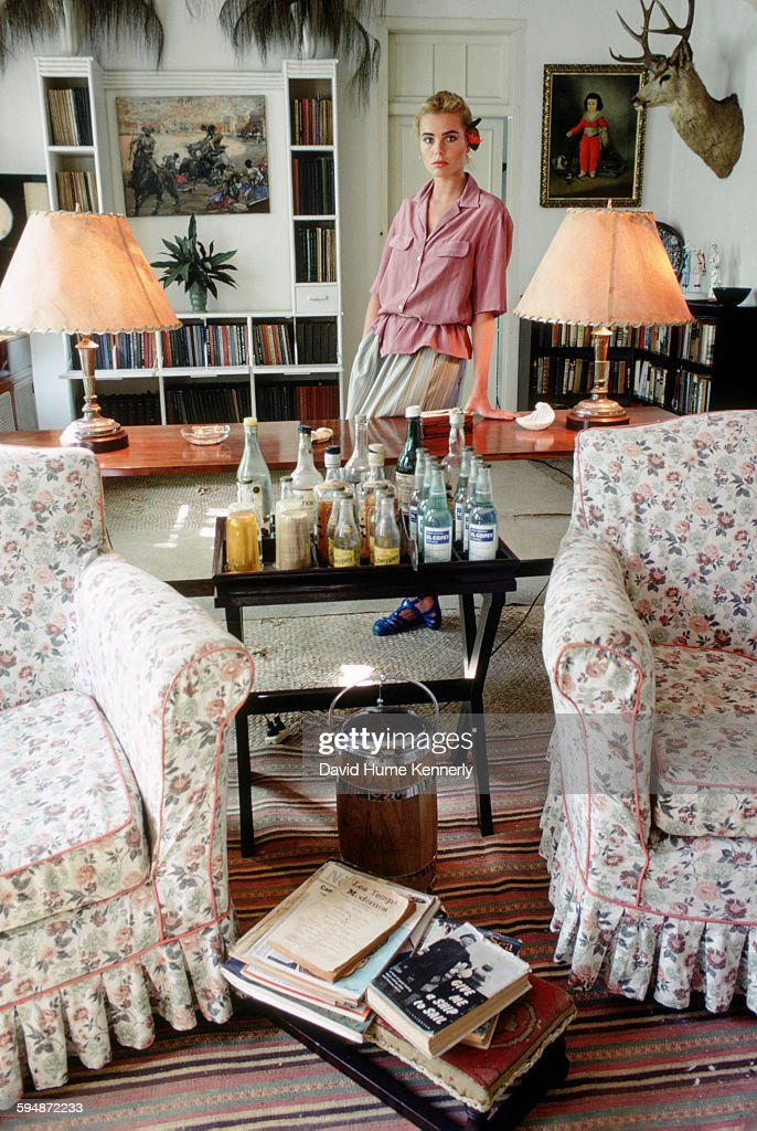 Actress and model <a gi-track='captionPersonalityLinkClicked' href=/galleries/search?phrase=Margaux+Hemingway&family=editorial&specificpeople=218193 ng-click='$event.stopPropagation()'>Margaux Hemingway</a> at her grandfather, Ernest Hemingway's, house, February 1978 in Havana, Cuba. The house, known as Finca Vigía, has since been turned into a museum.