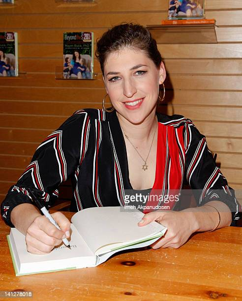 Actress and neuroscientist Mayim Bialik signs copies of her new book 'Beyond The Sling' at Barnes Noble 3rd Street Promenade on March 13 2012 in...