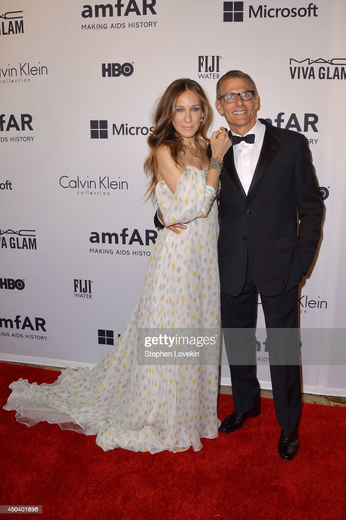 Actress and presenter Sarah Jessica Parker and HBO's programming president Michael Lombardo attend the amfAR Inspiration Gala New York 2014 at The Plaza Hotel on June 10, 2014 in New York City.