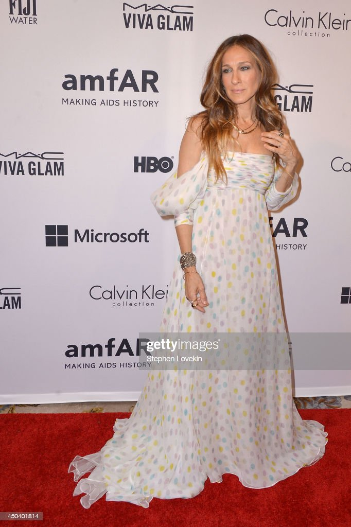 Actress and presenter <a gi-track='captionPersonalityLinkClicked' href=/galleries/search?phrase=Sarah+Jessica+Parker&family=editorial&specificpeople=201693 ng-click='$event.stopPropagation()'>Sarah Jessica Parker</a> attends the amfAR Inspiration Gala New York 2014 at The Plaza Hotel on June 10, 2014 in New York City.