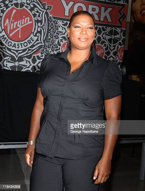 Actress and Singer Queen Latifah signing copies of her new CD ' Trav'lin' Light' on September 26 2007 at Virgin Megastore in New York City