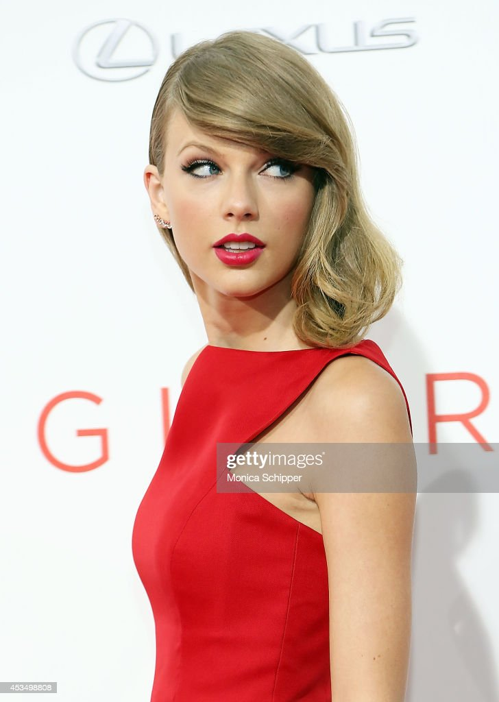 Actress and singer Taylor Swift attends 'The Giver' premiere at Ziegfeld Theater on August 11, 2014 in New York City.