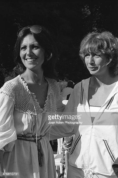 Actress and social activist Marlo Thomas poses for a picture with actress Penny Marshall at an ERA event Marlo hosted at her home in Beverly Hills...
