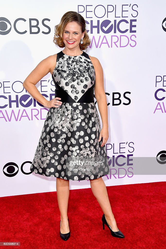 actress-andrea-barber-attends-the-peoples-choice-awards-2017-at-on-picture-id632006314