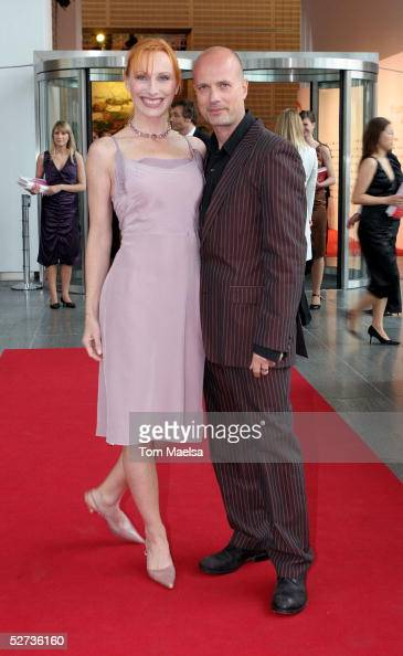 Actress Andrea Sawatzki and actor Christian Berkel attend the FiFi Awards at Ullsteinhalle on April 29 2005 in Berlin Germany