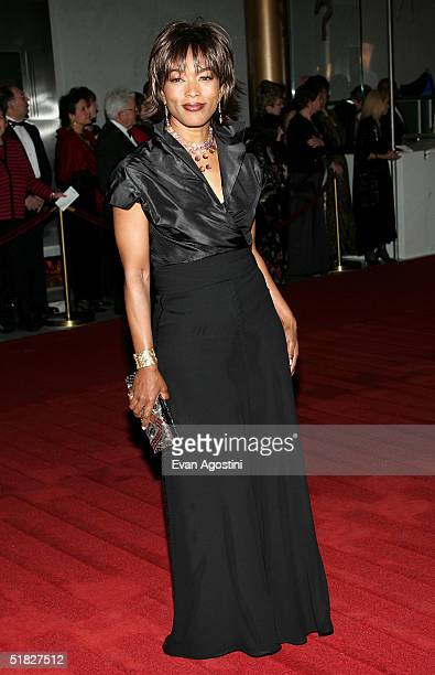 Actress Angela Bassett arrives at the 27th Annual Kennedy Center Honors Gala at The Kennedy Center for the Performing Arts December 5 2004 in...