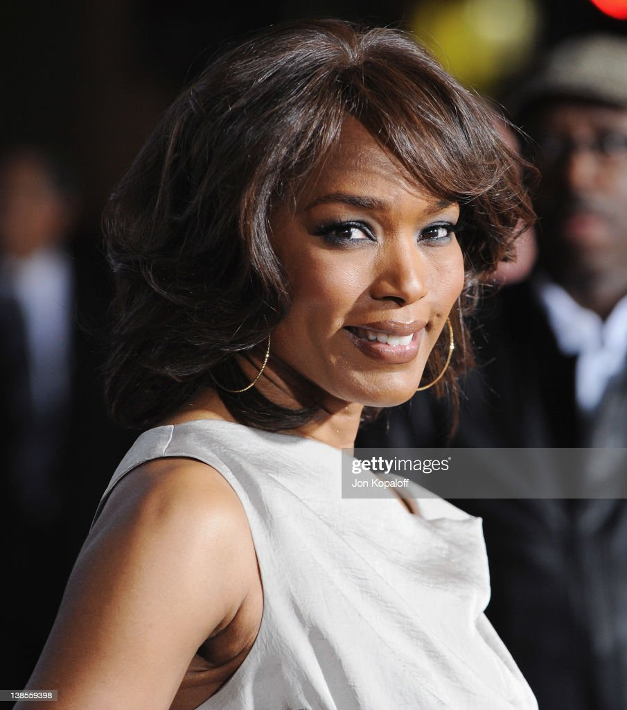 Actress <a gi-track='captionPersonalityLinkClicked' href=/galleries/search?phrase=Angela+Bassett&family=editorial&specificpeople=171174 ng-click='$event.stopPropagation()'>Angela Bassett</a> arrives at the Los Angeles Premiere 'This Means War' at Grauman's Chinese Theatre on February 8, 2012 in Hollywood, California.