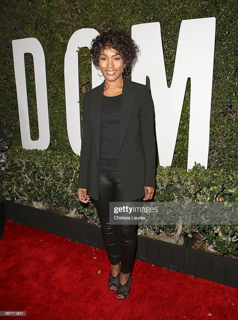 Actress <a gi-track='captionPersonalityLinkClicked' href=/galleries/search?phrase=Angela+Bassett&family=editorial&specificpeople=171174 ng-click='$event.stopPropagation()'>Angela Bassett</a> attends 'The Weinstein Company Presents The LA Premiere Of 'Mandela: Long Walk To Freedom' Supported By Burberry' at ArcLight Hollywood Cinerama Dome on November 11, 2013 in Los Angeles, California.