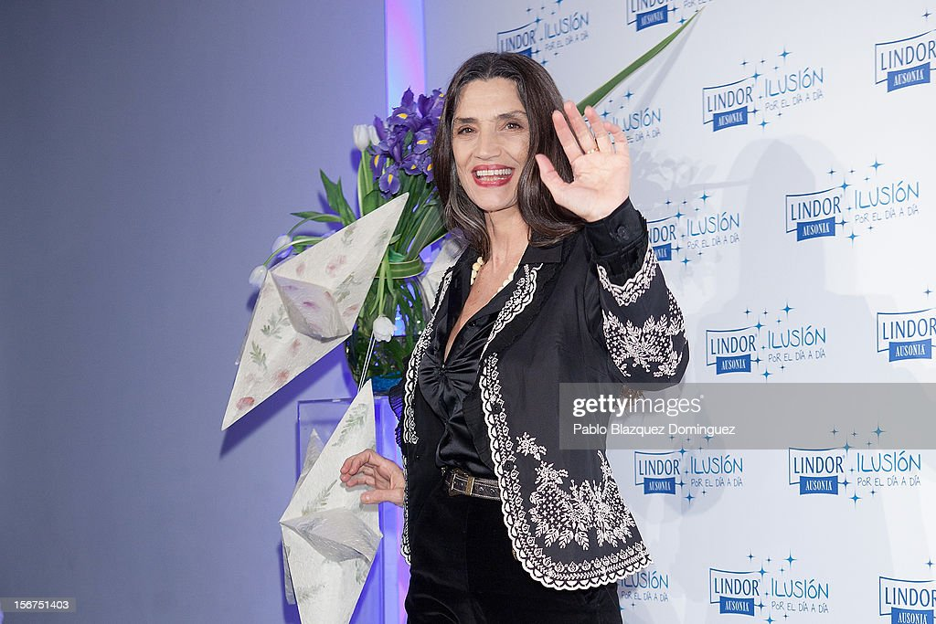Actress <a gi-track='captionPersonalityLinkClicked' href=/galleries/search?phrase=Angela+Molina&family=editorial&specificpeople=2594354 ng-click='$event.stopPropagation()'>Angela Molina</a> presents 'Ilusion Por el Dia a Dia' Campaign at Espacio CoolRoom on November 20, 2012 in Madrid, Spain.