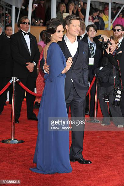 Actress Angelina Jolie and actor Brad Bitt arrive at the 15th Annual Screen Actors Guild Awards�� held at the Los Angeles Shrine Exposition Center