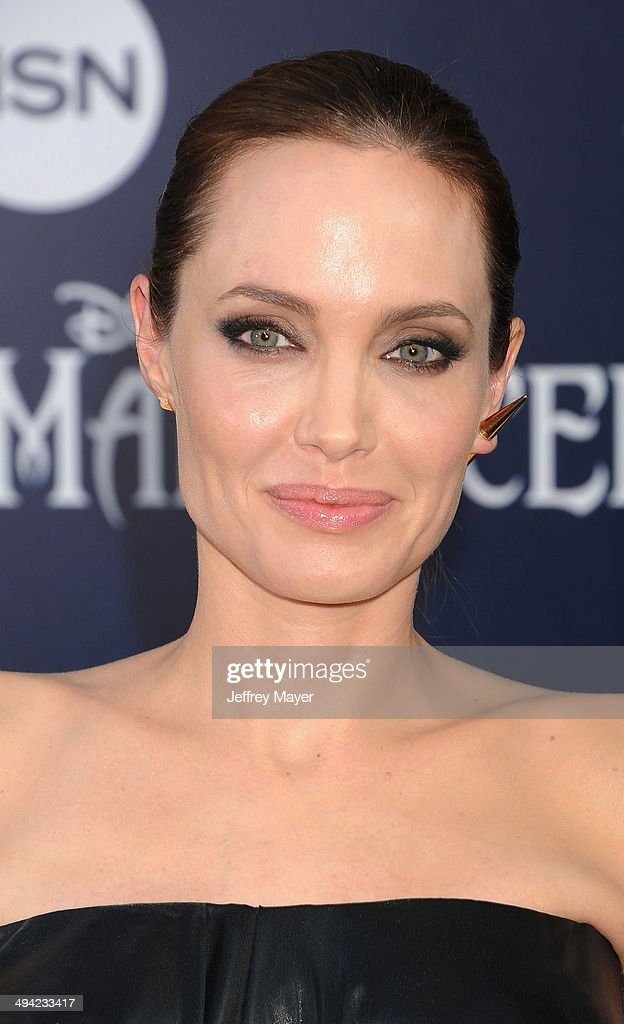 Actress <a gi-track='captionPersonalityLinkClicked' href=/galleries/search?phrase=Angelina+Jolie&family=editorial&specificpeople=201591 ng-click='$event.stopPropagation()'>Angelina Jolie</a> arrives at the World Premiere Of Disney's 'Maleficent' at the El Capitan Theatre on May 28, 2014 in Hollywood, California.