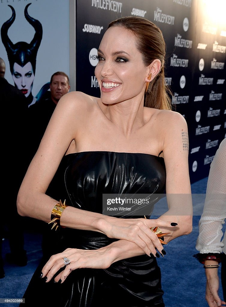 Actress <a gi-track='captionPersonalityLinkClicked' href=/galleries/search?phrase=Angelina+Jolie&family=editorial&specificpeople=201591 ng-click='$event.stopPropagation()'>Angelina Jolie</a> attends the World Premiere of Disney's 'Maleficent' at the El Capitan Theatre on May 28, 2014 in Hollywood, California.