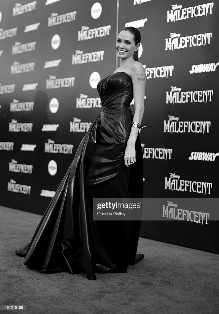 Actress <a gi-track='captionPersonalityLinkClicked' href=/galleries/search?phrase=Angelina+Jolie&family=editorial&specificpeople=201591 ng-click='$event.stopPropagation()'>Angelina Jolie</a> attends the World Premiere of Disney's 'Maleficent', starring <a gi-track='captionPersonalityLinkClicked' href=/galleries/search?phrase=Angelina+Jolie&family=editorial&specificpeople=201591 ng-click='$event.stopPropagation()'>Angelina Jolie</a>, at the El Capitan Theatre on May 28, 2014 in Hollywood, California.