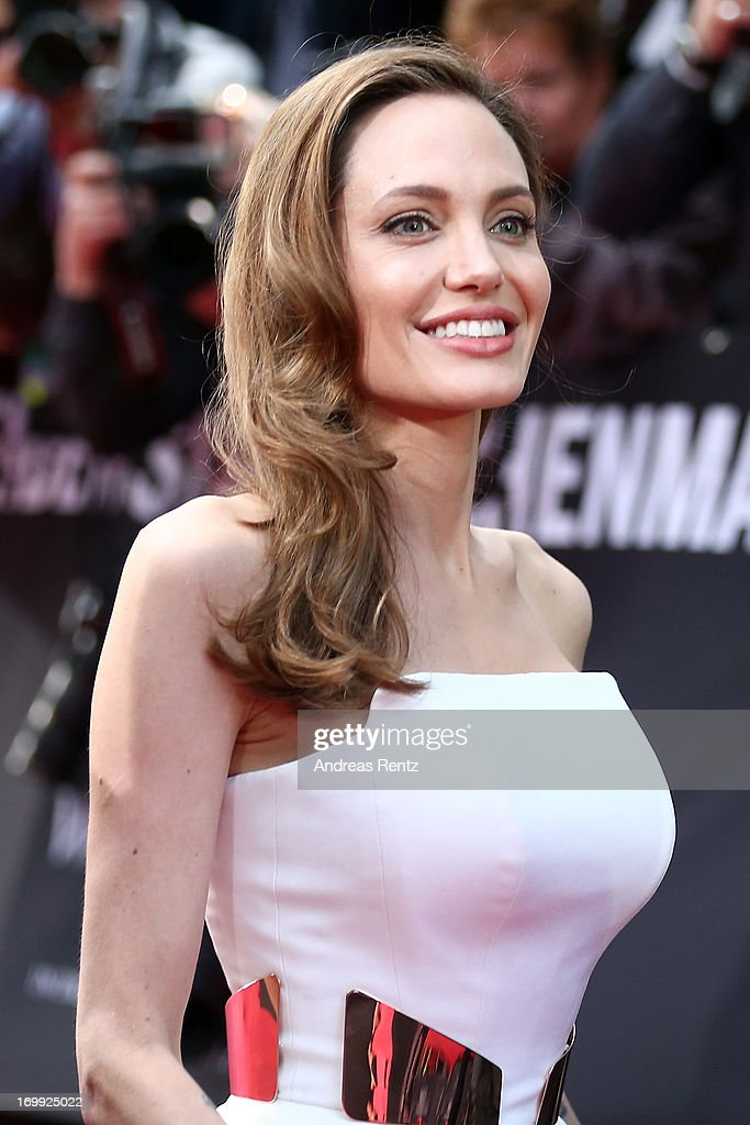 Actress <a gi-track='captionPersonalityLinkClicked' href=/galleries/search?phrase=Angelina+Jolie&family=editorial&specificpeople=201591 ng-click='$event.stopPropagation()'>Angelina Jolie</a> attends 'WORLD WAR Z' Germany Premiere at Sony Centre on June 4, 2013 in Berlin, Germany.