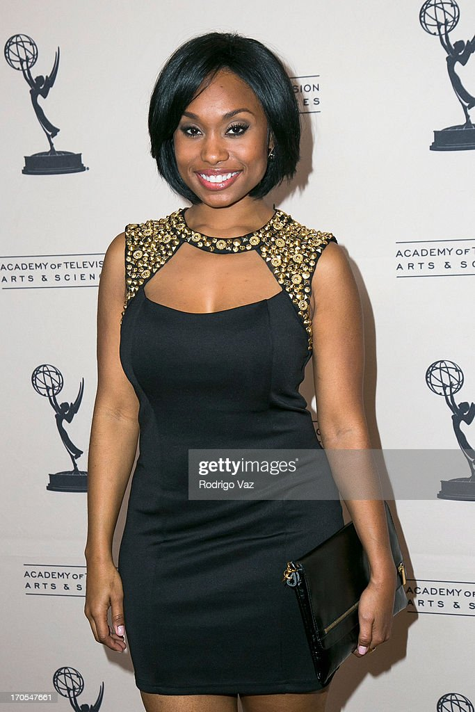 Actress <a gi-track='captionPersonalityLinkClicked' href=/galleries/search?phrase=Angell+Conwell&family=editorial&specificpeople=240300 ng-click='$event.stopPropagation()'>Angell Conwell</a> arrives at the 40th Annual Daytime Emmy Nominees Cocktail Reception at Montage Beverly Hills on June 13, 2013 in Beverly Hills, California.