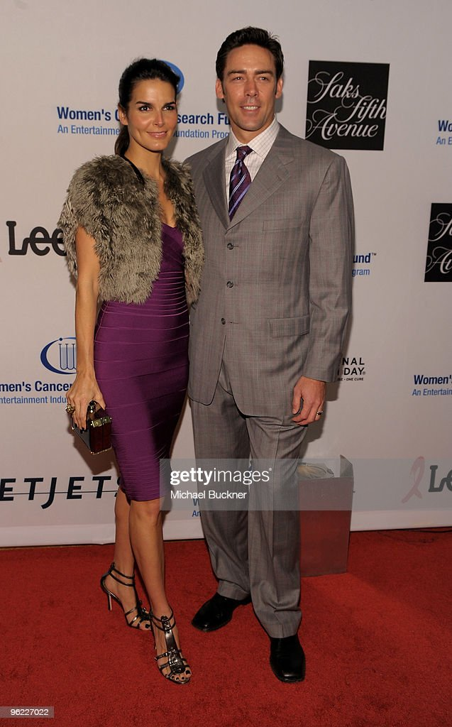 Actress Angie Harmon (L) and Jason Sehorn arrive at An Unforgettable Evening Benefiting EIF's Women's Cancer Research Fund at Beverly Wilshire Four Seasons Hotel on January 27, 2010 in Beverly Hills, California.