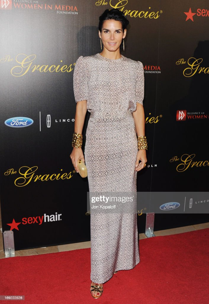 Actress Angie Harmon arrives 38th Annual Gracie Awards Gala at The Beverly Hilton Hotel on May 21, 2013 in Beverly Hills, California.
