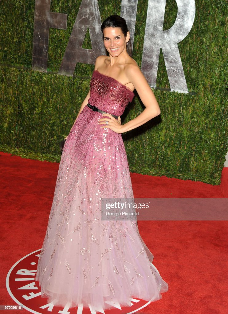 Actress Angie Harmon arrives at the 2010 Vanity Fair Oscar Party hosted by Graydon Carter held at Sunset Tower on March 7 2010 in West Hollywood...