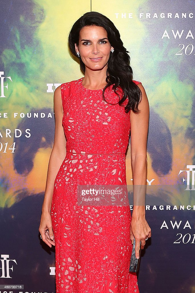Actress <a gi-track='captionPersonalityLinkClicked' href=/galleries/search?phrase=Angie+Harmon&family=editorial&specificpeople=204576 ng-click='$event.stopPropagation()'>Angie Harmon</a> attends 2014 Fragrance Foundation awards at Alice Tully Hall, Lincoln Center on June 16, 2014 in New York City.
