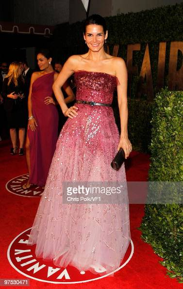 Actress Angie Harmon attends the 2010 Vanity Fair Oscar Party hosted by Graydon Carter at the Sunset Tower Hotel on March 7 2010 in West Hollywood...