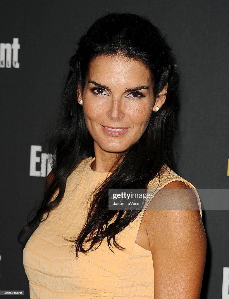 Actress <a gi-track='captionPersonalityLinkClicked' href=/galleries/search?phrase=Angie+Harmon&family=editorial&specificpeople=204576 ng-click='$event.stopPropagation()'>Angie Harmon</a> attends the 2014 Entertainment Weekly pre-Emmy party at Fig & Olive Melrose Place on August 23, 2014 in West Hollywood, California.