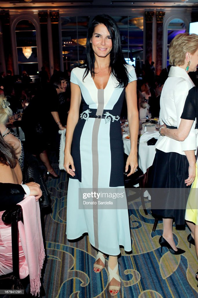 "Actress Angie Harmon in Carolina Herrera attends EIF Women's Cancer Research Fund's 16th Annual ""An Unforgettable Evening"" presented by Saks Fifth Avenue at the Beverly Wilshire Four Seasons Hotel on May 2, 2013 in Beverly Hills, California."