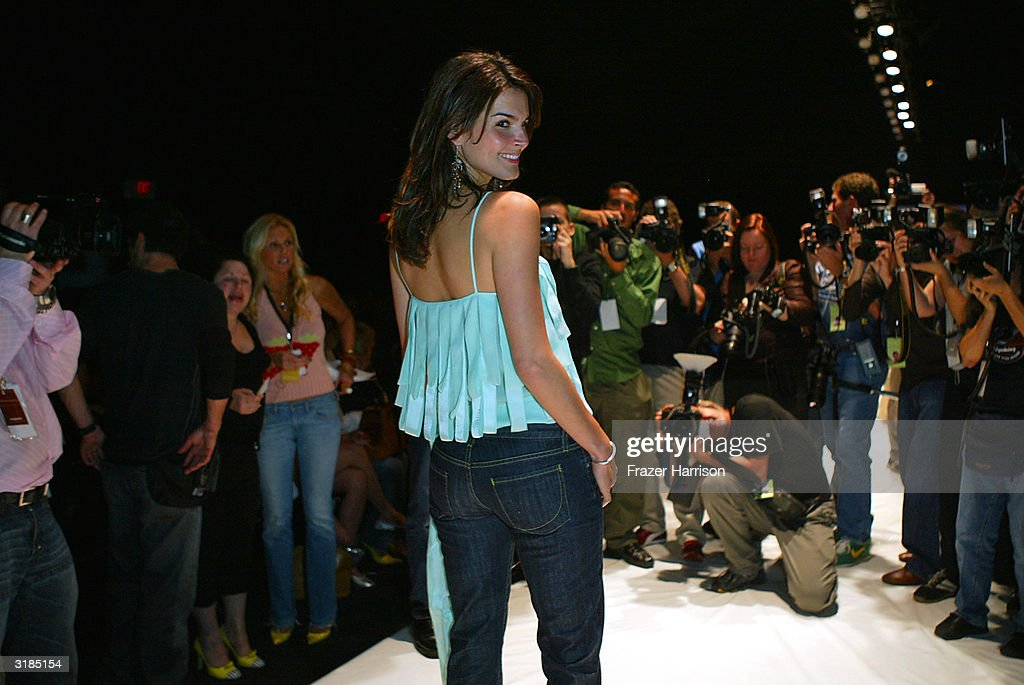 Mercedes benz fashion week sheri bodell show getty images for Mercedes benz culver city