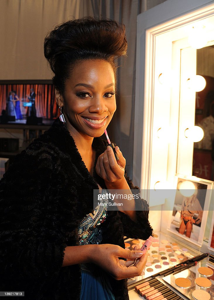 Actress <a gi-track='captionPersonalityLinkClicked' href=/galleries/search?phrase=Anika+Noni+Rose&family=editorial&specificpeople=227294 ng-click='$event.stopPropagation()'>Anika Noni Rose</a> in Backstage Creations Celebrity Retreat at 2012 NAACP Image Awards at The Shrine Auditorium on February 17, 2012 in Los Angeles, California.