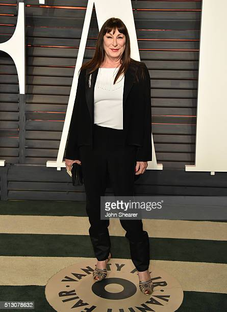 Actress Anjelica Huston arrives at the 2016 Vanity Fair Oscar Party Hosted By Graydon Carter at Wallis Annenberg Center for the Performing Arts on...