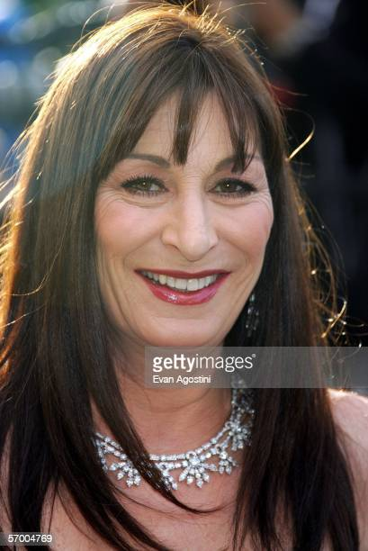Actress Anjelica Huston arrives at the Vanity Fair Oscar Party at Mortons on March 5 2006 in West Hollywood California