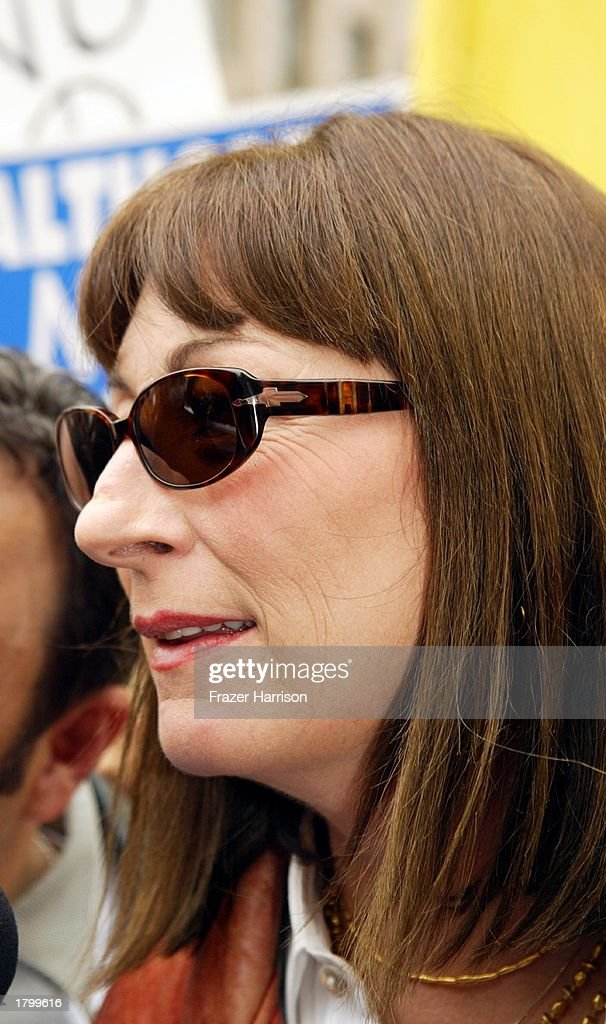 Actress <a gi-track='captionPersonalityLinkClicked' href=/galleries/search?phrase=Anjelica+Huston&family=editorial&specificpeople=202921 ng-click='$event.stopPropagation()'>Anjelica Huston</a> at the Anti War Protest on February 15, 2003 in Hollywood, Los Angeles, California.