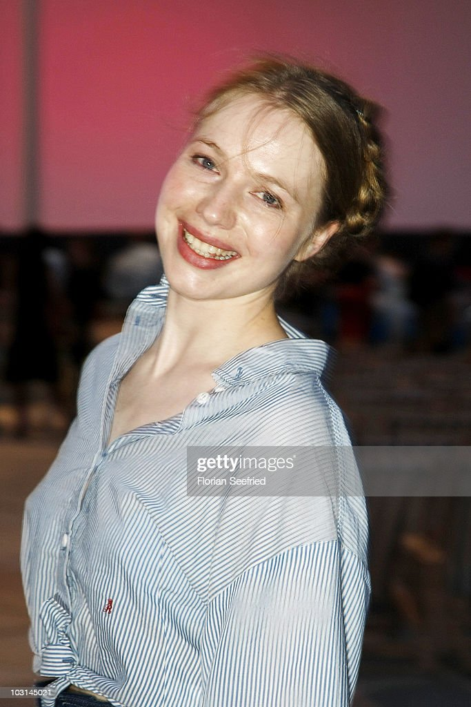 Actress <a gi-track='captionPersonalityLinkClicked' href=/galleries/search?phrase=Anna+Brueggemann&family=editorial&specificpeople=2931721 ng-click='$event.stopPropagation()'>Anna Brueggemann</a> attends the Photocall of 'Run If You Can' (Renn wenn Du kannst) at open air cinema at Kulturforum at Potsdamer Place on July 28, 2010 in Berlin, Germany.