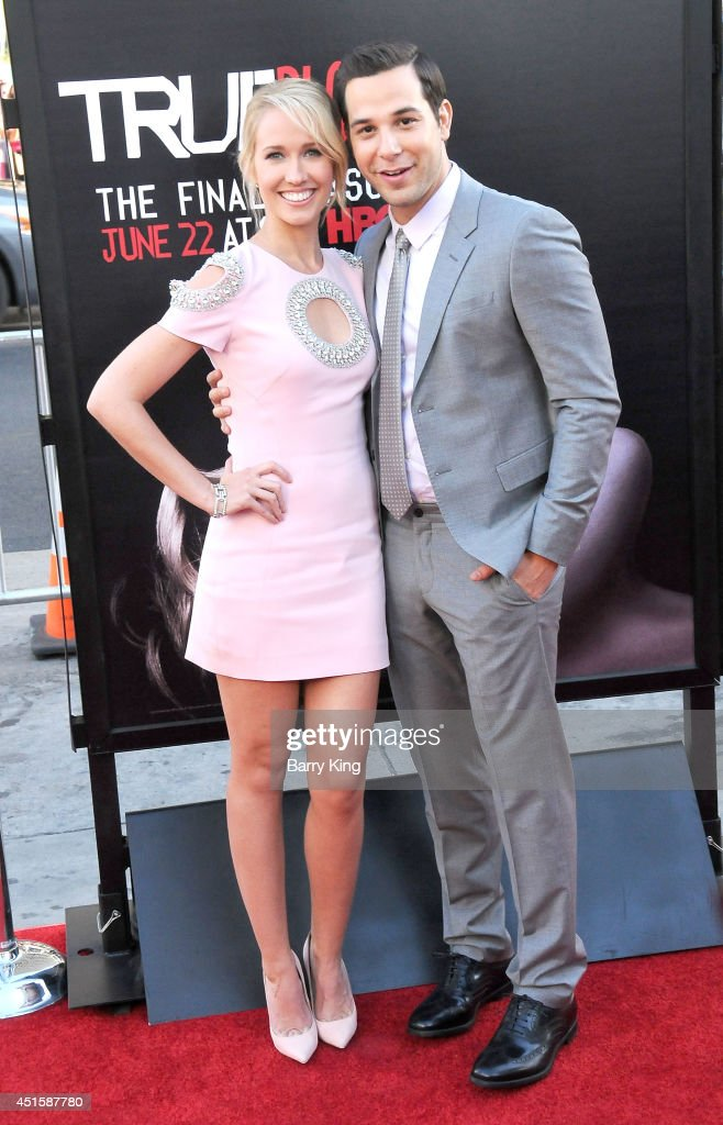 Actress Anna Camp and actor Skylar Astin arrive at HBO's 'True Blood' Final Season Premiere on June 17 2014 at TCL Chinese Theatre in Hollywood...