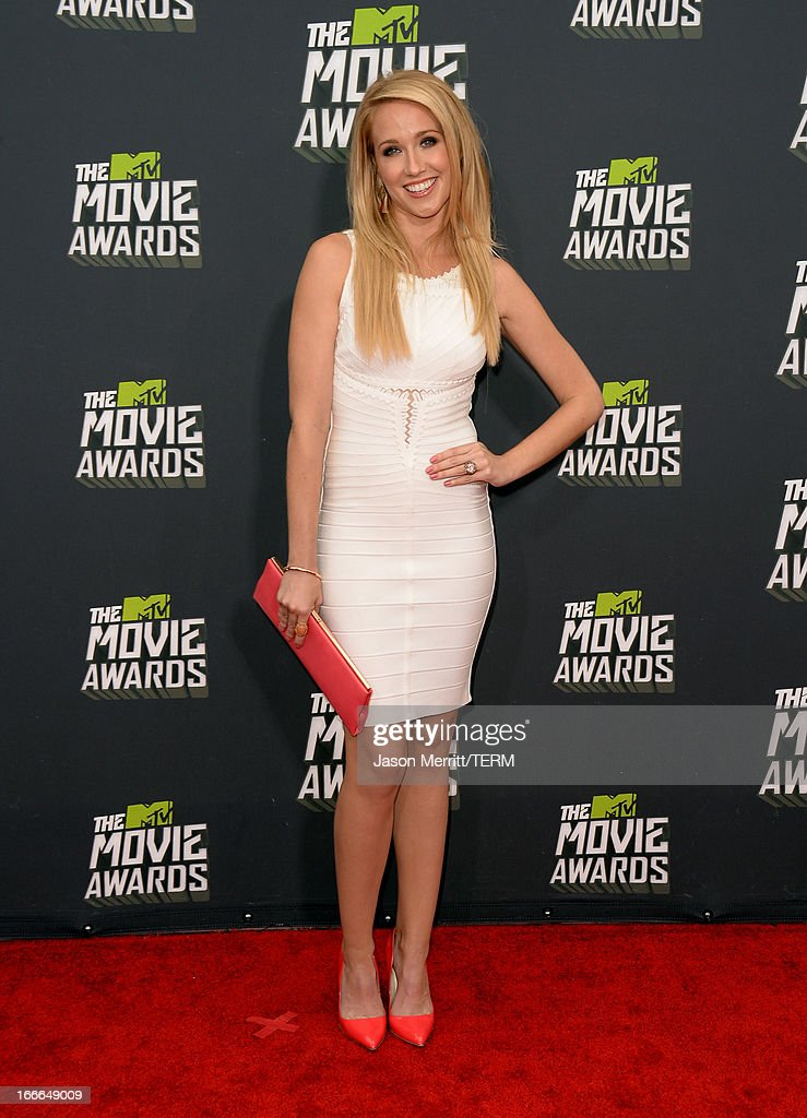 Actress Anna Camp arrives at the 2013 MTV Movie Awards at Sony Pictures Studios on April 14, 2013 in Culver City, California.