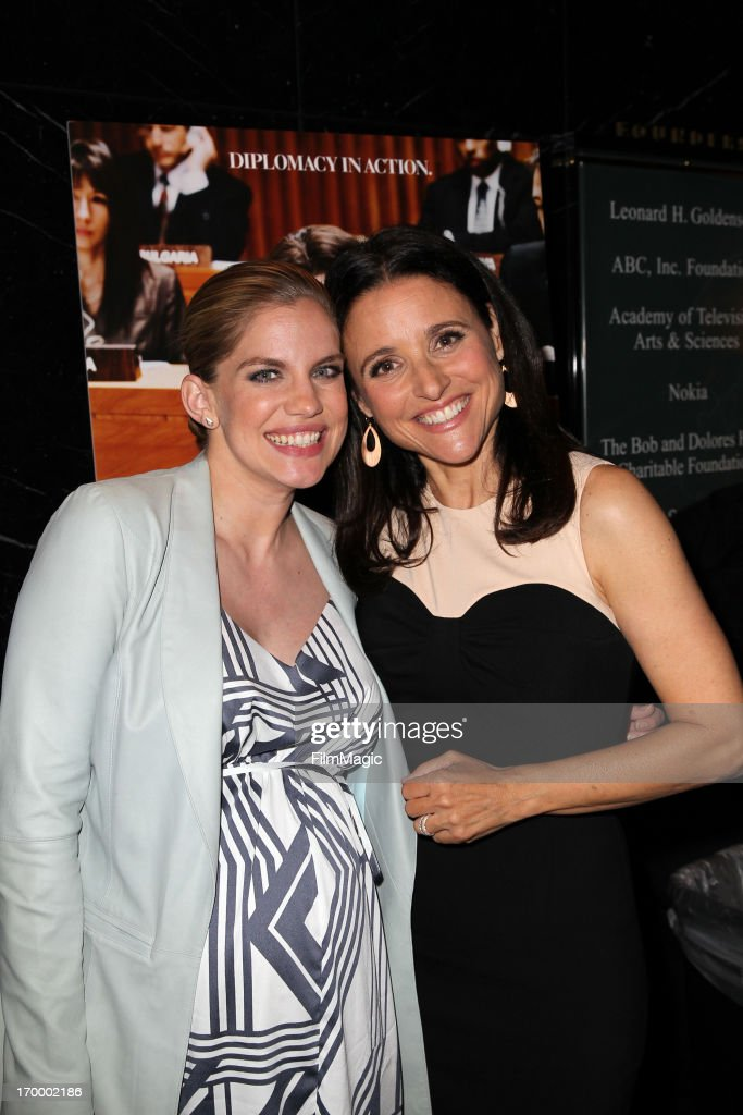 Actress <a gi-track='captionPersonalityLinkClicked' href=/galleries/search?phrase=Anna+Chlumsky&family=editorial&specificpeople=1133442 ng-click='$event.stopPropagation()'>Anna Chlumsky</a> (L) and actress/producer <a gi-track='captionPersonalityLinkClicked' href=/galleries/search?phrase=Julia+Louis-Dreyfus&family=editorial&specificpeople=208965 ng-click='$event.stopPropagation()'>Julia Louis-Dreyfus</a> attend HBO's 'VEEP' screening and panel at the Leonard H. Goldenson Theatre at the Academy of Television Arts & Sciences on June 5, 2013 in North Hollywood, California.