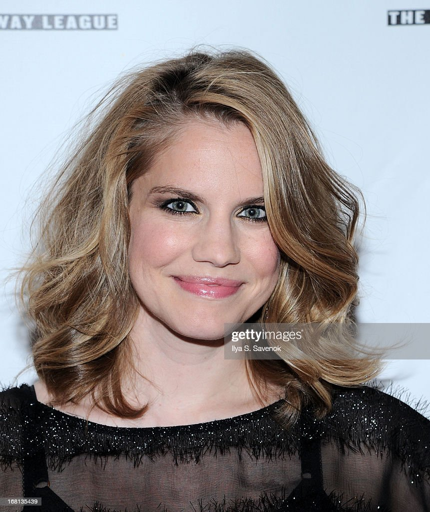 Actress <a gi-track='captionPersonalityLinkClicked' href=/galleries/search?phrase=Anna+Chlumsky&family=editorial&specificpeople=1133442 ng-click='$event.stopPropagation()'>Anna Chlumsky</a> attends the 28th Annual Lucille Lortel Awards at NYU Skirball Center on May 5, 2013 in New York City.