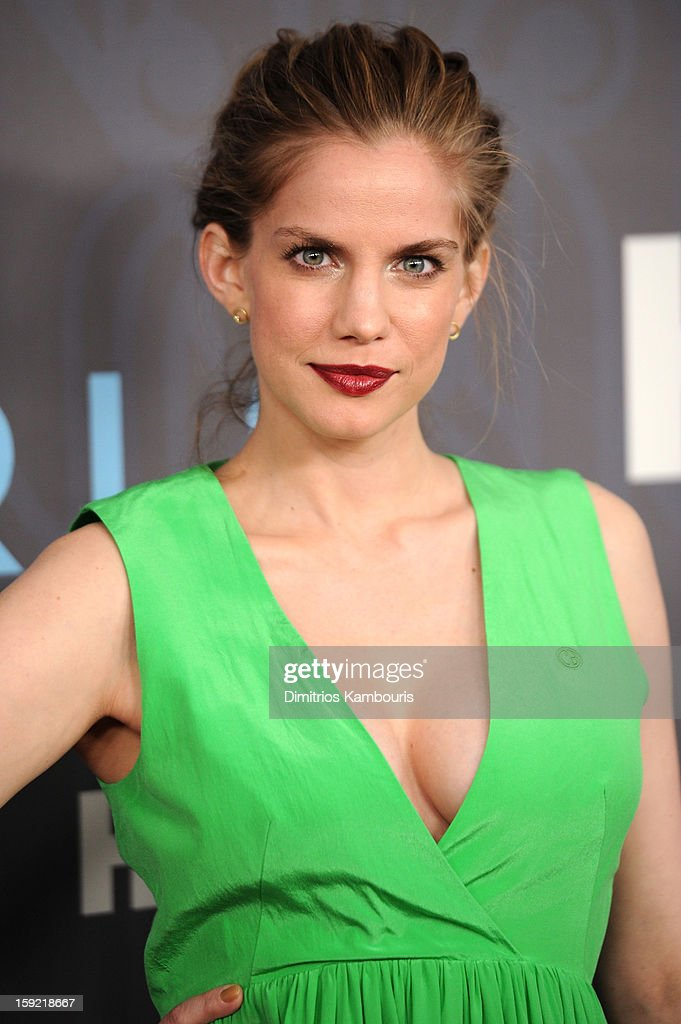 Actress <a gi-track='captionPersonalityLinkClicked' href=/galleries/search?phrase=Anna+Chlumsky&family=editorial&specificpeople=1133442 ng-click='$event.stopPropagation()'>Anna Chlumsky</a> attends the HBO premiere of 'Girls' Season 2 at the NYU Skirball Center on January 9, 2013 in New York City.