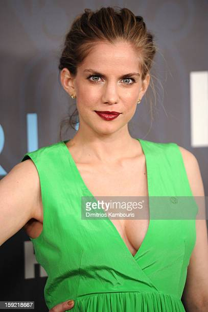 Actress Anna Chlumsky attends the HBO premiere of 'Girls' Season 2 at the NYU Skirball Center on January 9 2013 in New York City
