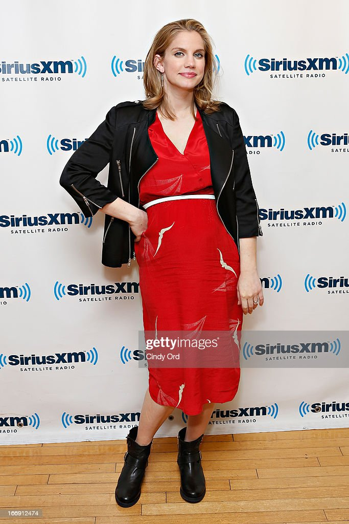 Actress Anna Chlumsky visits the SiriusXM Studios on April 18, 2013 in New York City.
